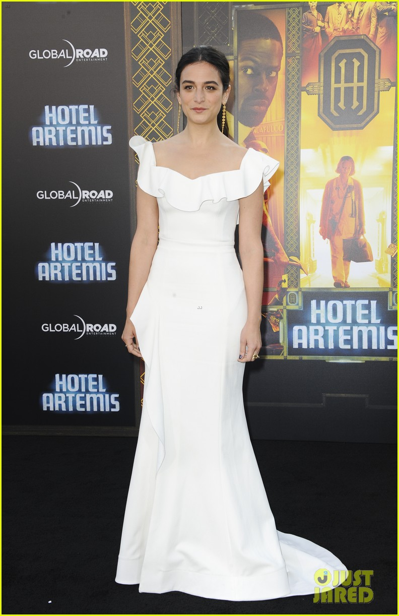 Sterling K Brown Joins Jodie Foster Sofia Boutella At Hotel Artemis Premiere