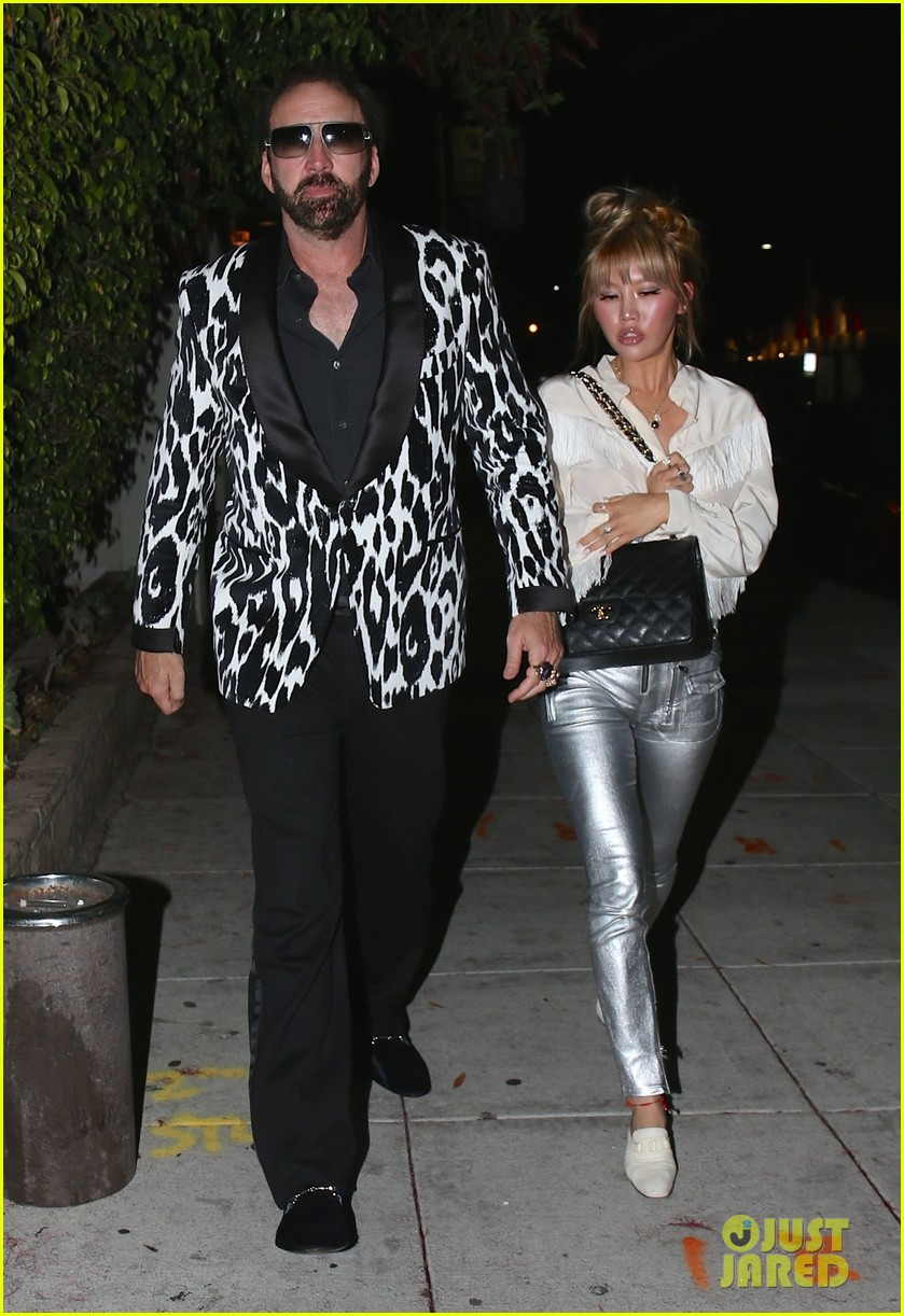 nicolas cage sports zebra print jacket for date with erika koike 014089624