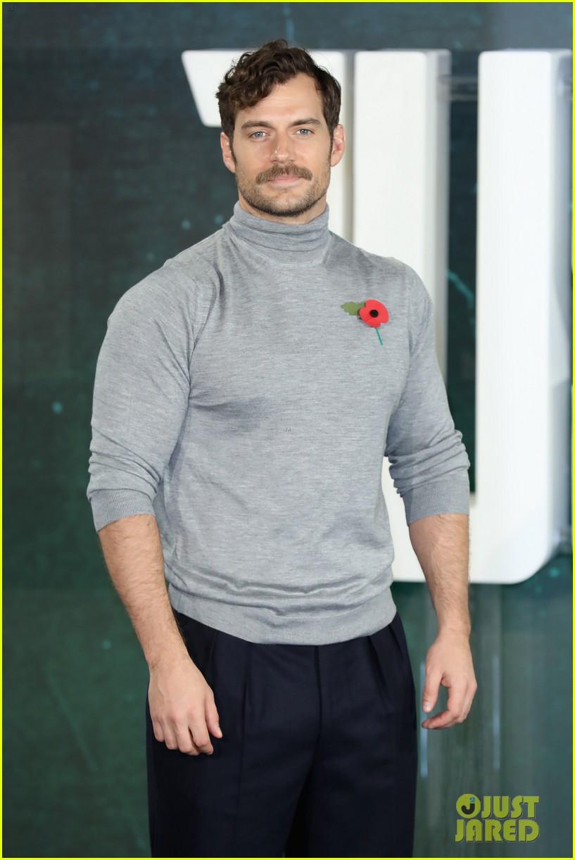 henry cavill mustache 024083252