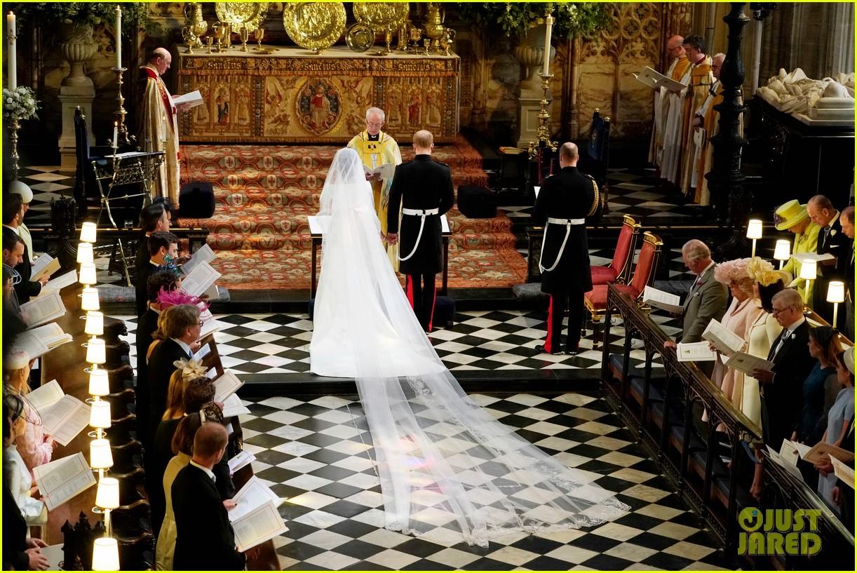 prince charles walks meghan markle down aisle royal wedding 034086414
