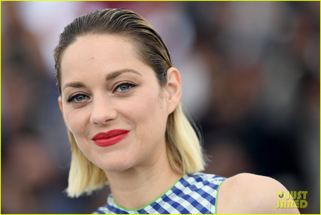 marion cotillard angel face cannes photo call 024081460