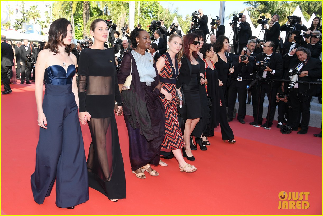 marion cotillard womens march cannes film festival 034081603