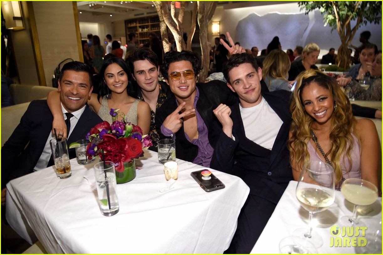 riverdale cast teams up for the cws upfront party 2018 014085834