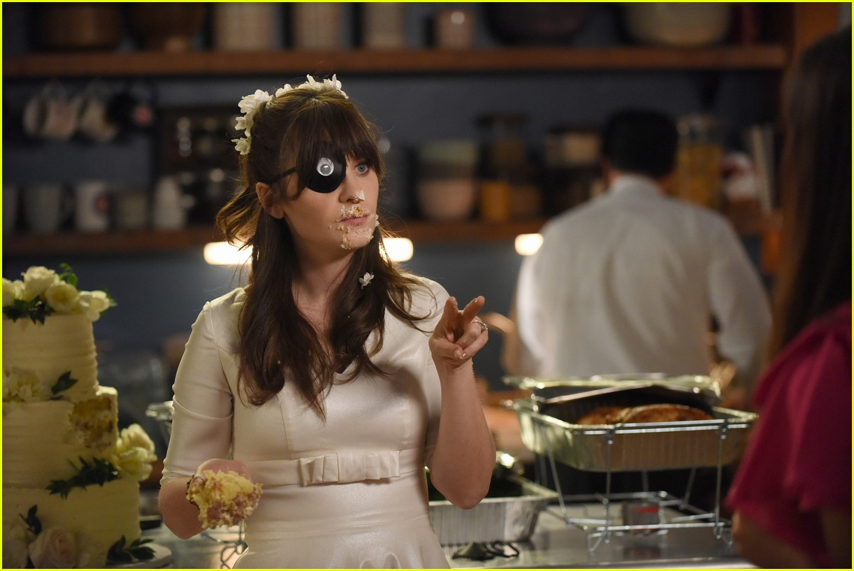 Zooey Deschanel Shares Thoughts On New Girl Series