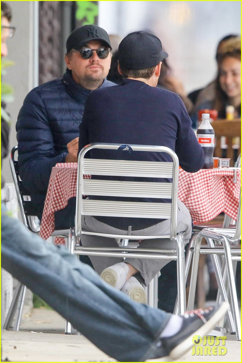 leonardo dicaprio and kevin connolly grab a bite together 054090509