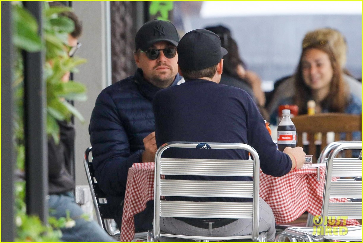 leonardo dicaprio and kevin connolly grab a bite together 134090517