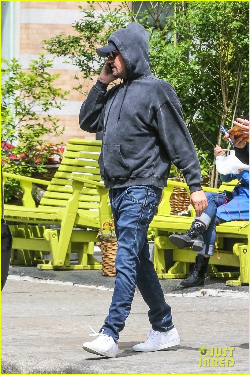 leonardo dicaprio steps out for breakfast at bubbys in nyc 024082780
