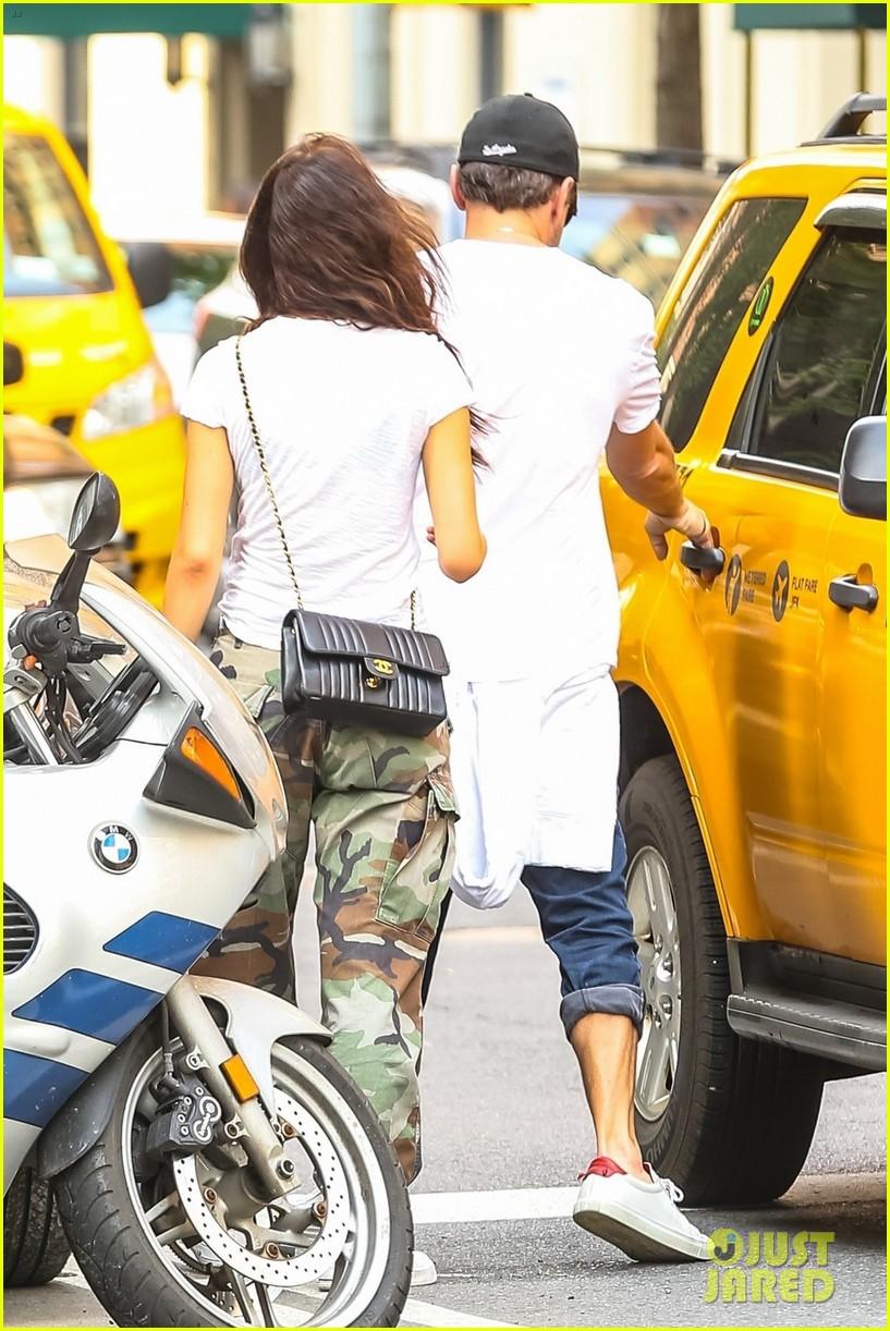 leonardo dicaprio rolled up jeans camila morrone 034083609