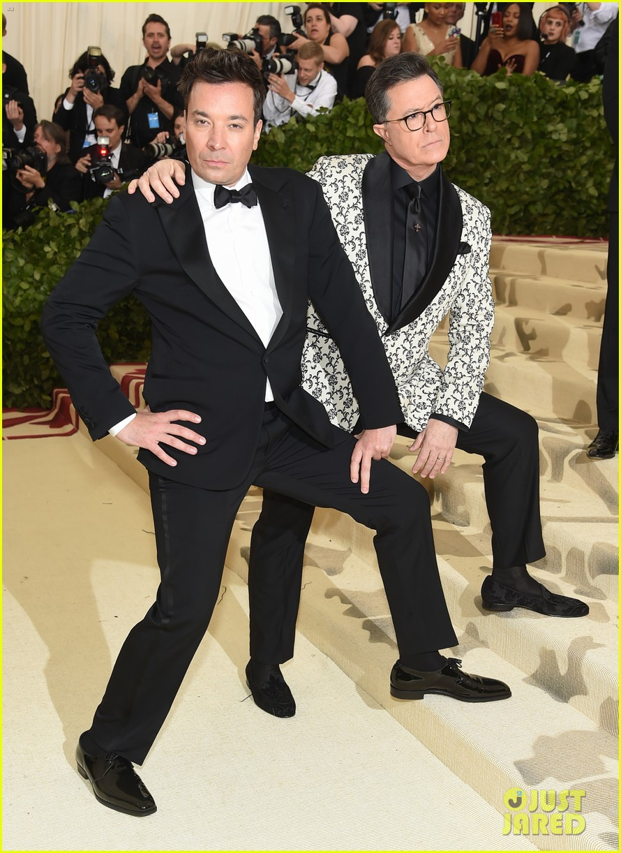 jimmy fallon stephen colbert have zoolander moment at met gala 054079170
