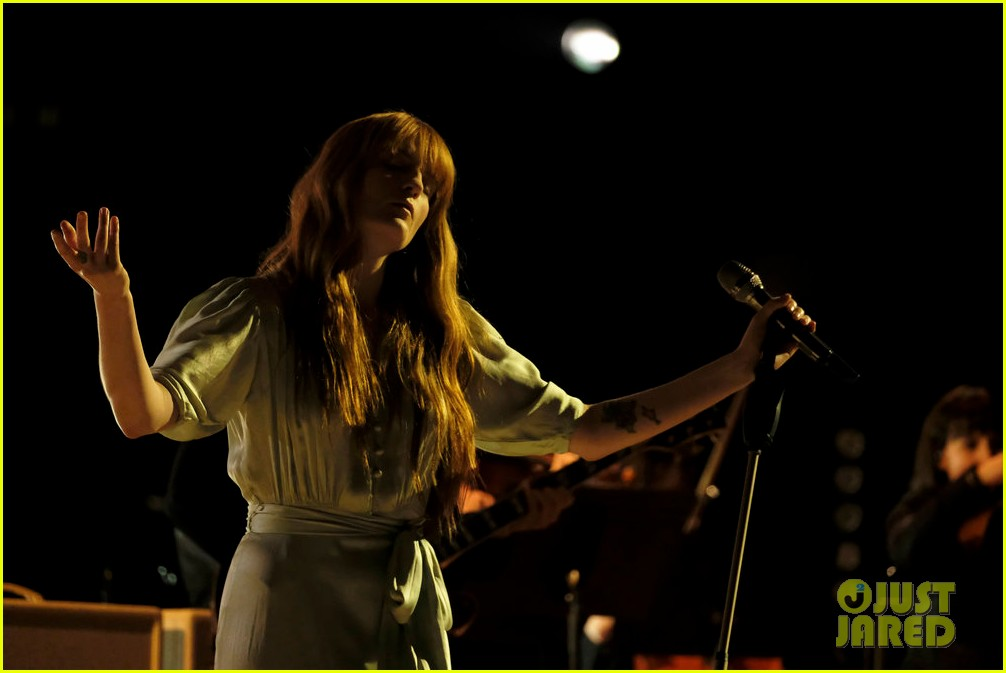 florence the machine debut hunger live on the voice 024089550