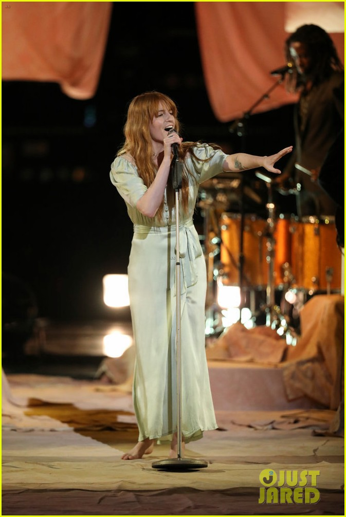 florence the machine debut hunger live on the voice 034089551