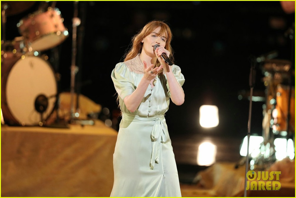 florence the machine debut hunger live on the voice 114089559