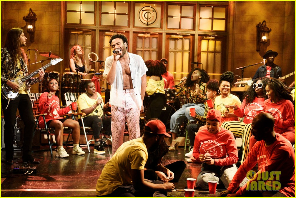 childish gambinp goes shirtless during snl performance 024077459