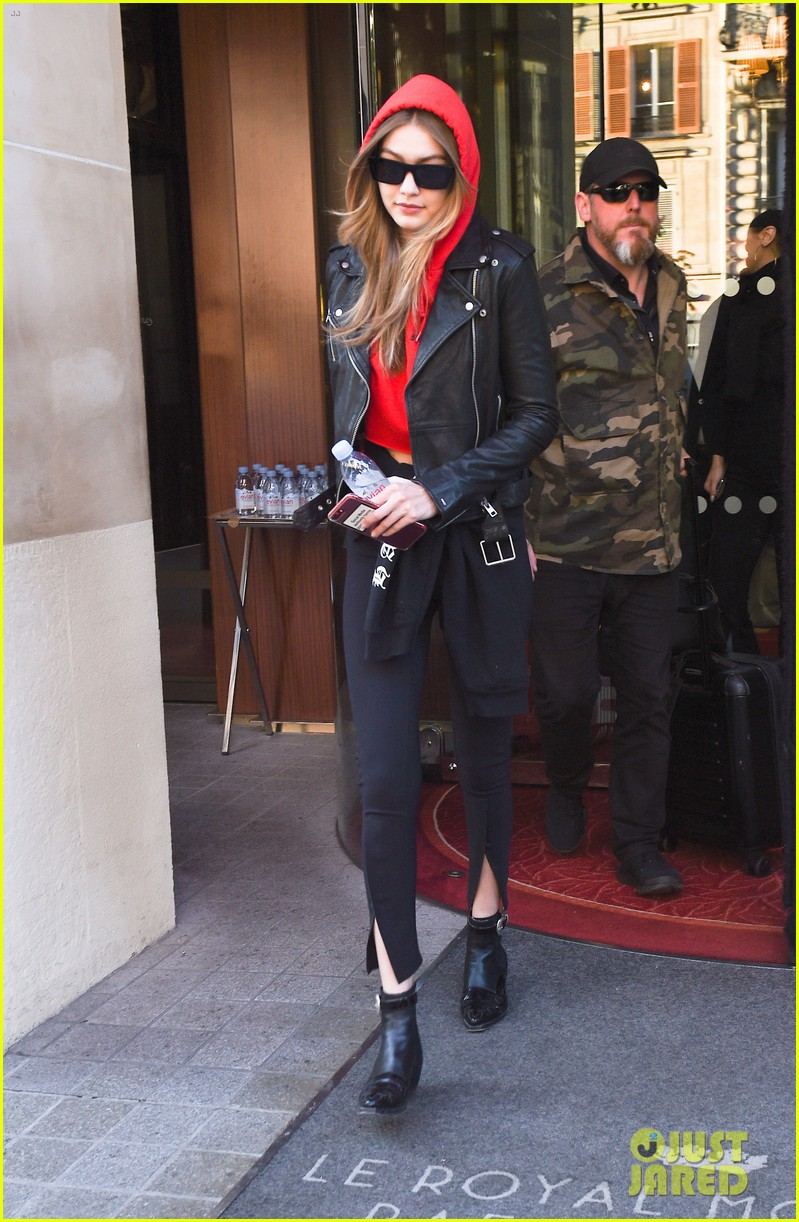 gigi and bella hadid coordinate their looks while arriving back in nyc 104076957