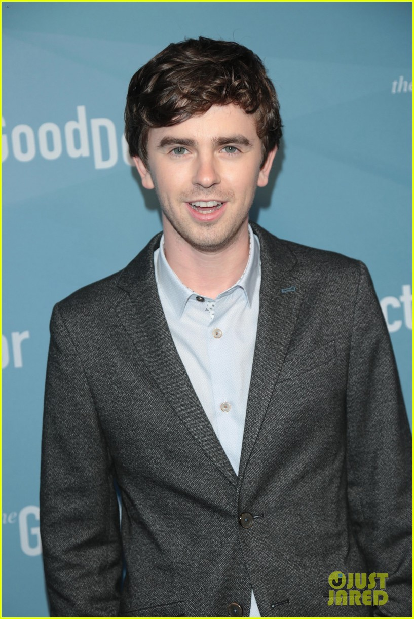 freddie highmore says his good doctor character is probably a better person than me 094089711