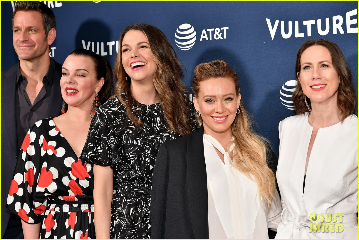 hilary duff maggie gyllenhaal juliana marguiles stop by vulture 044087196