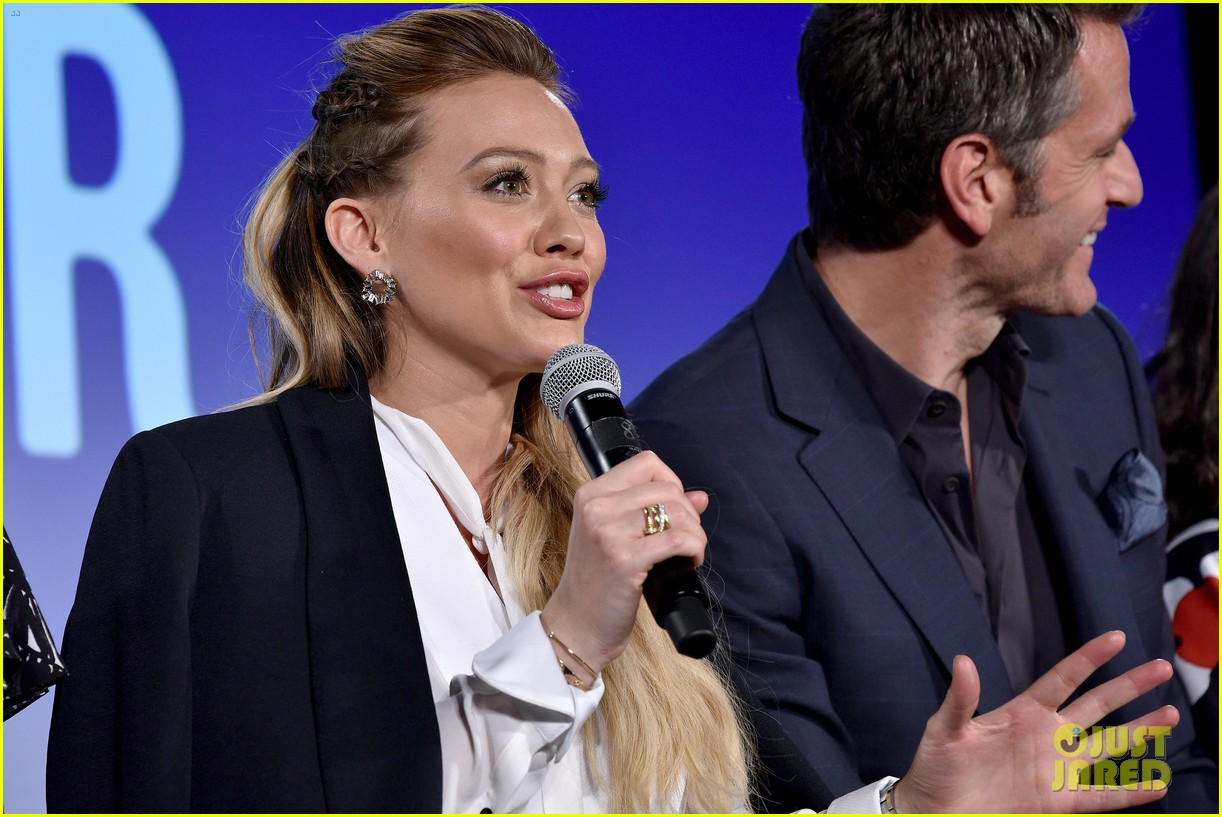 hilary duff maggie gyllenhaal juliana marguiles stop by vulture 13