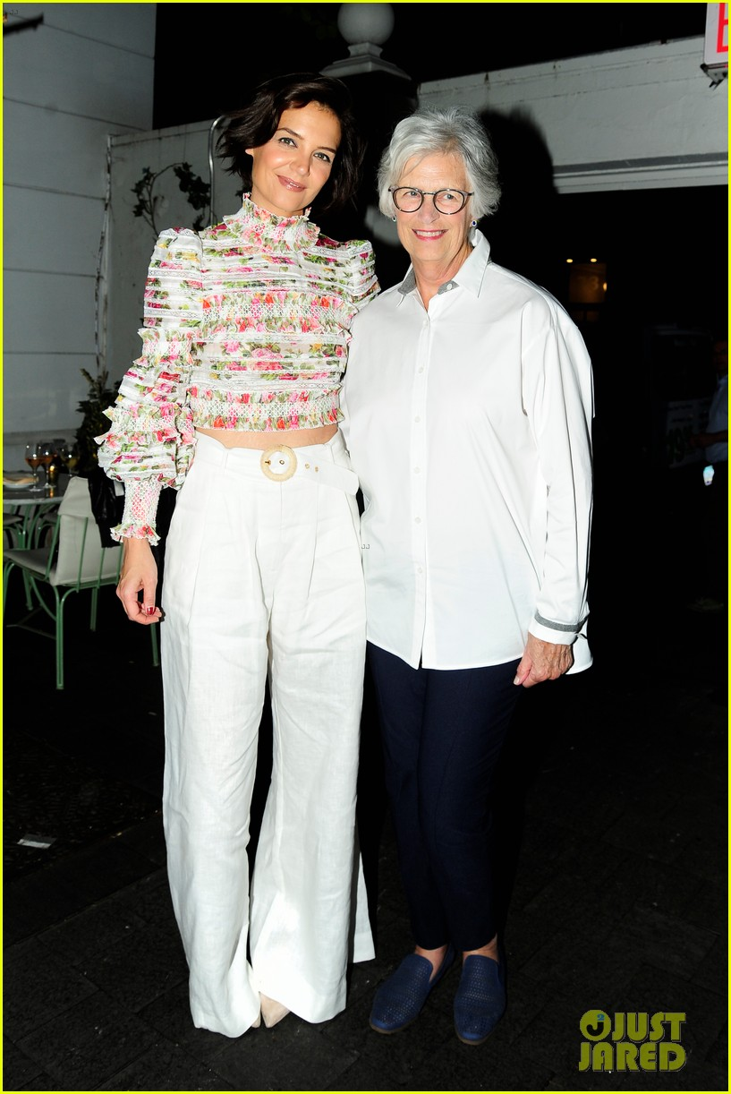 katie holmes mother step out to support ava duvernay at queen sugar garden party 014088183