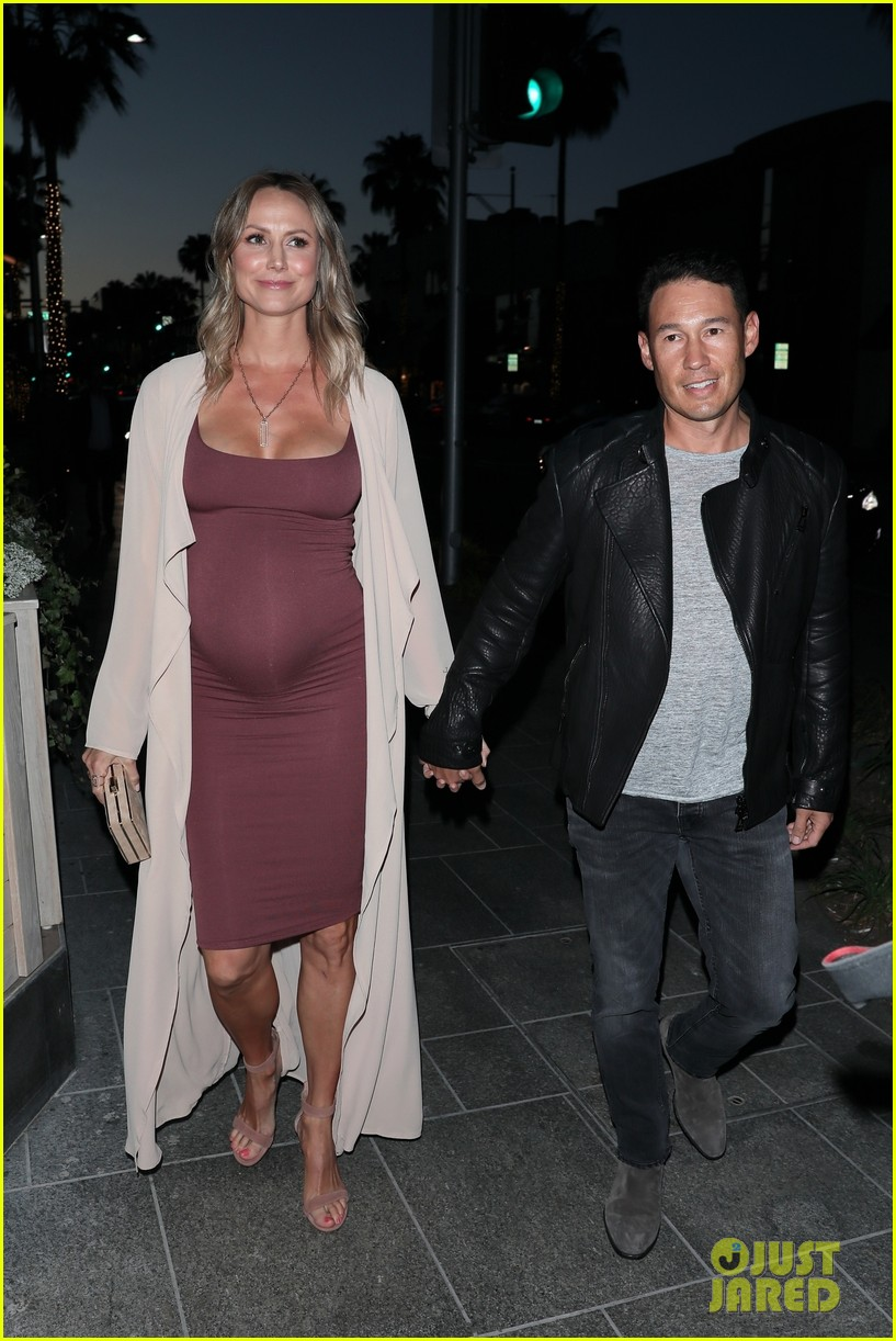 stacy keibler pregnant dinner jared pobre 154091223