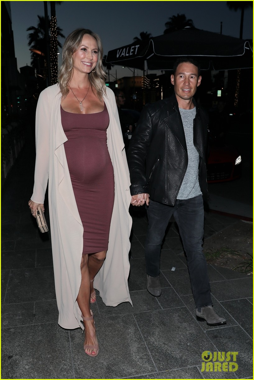 stacy keibler pregnant dinner jared pobre 204091228