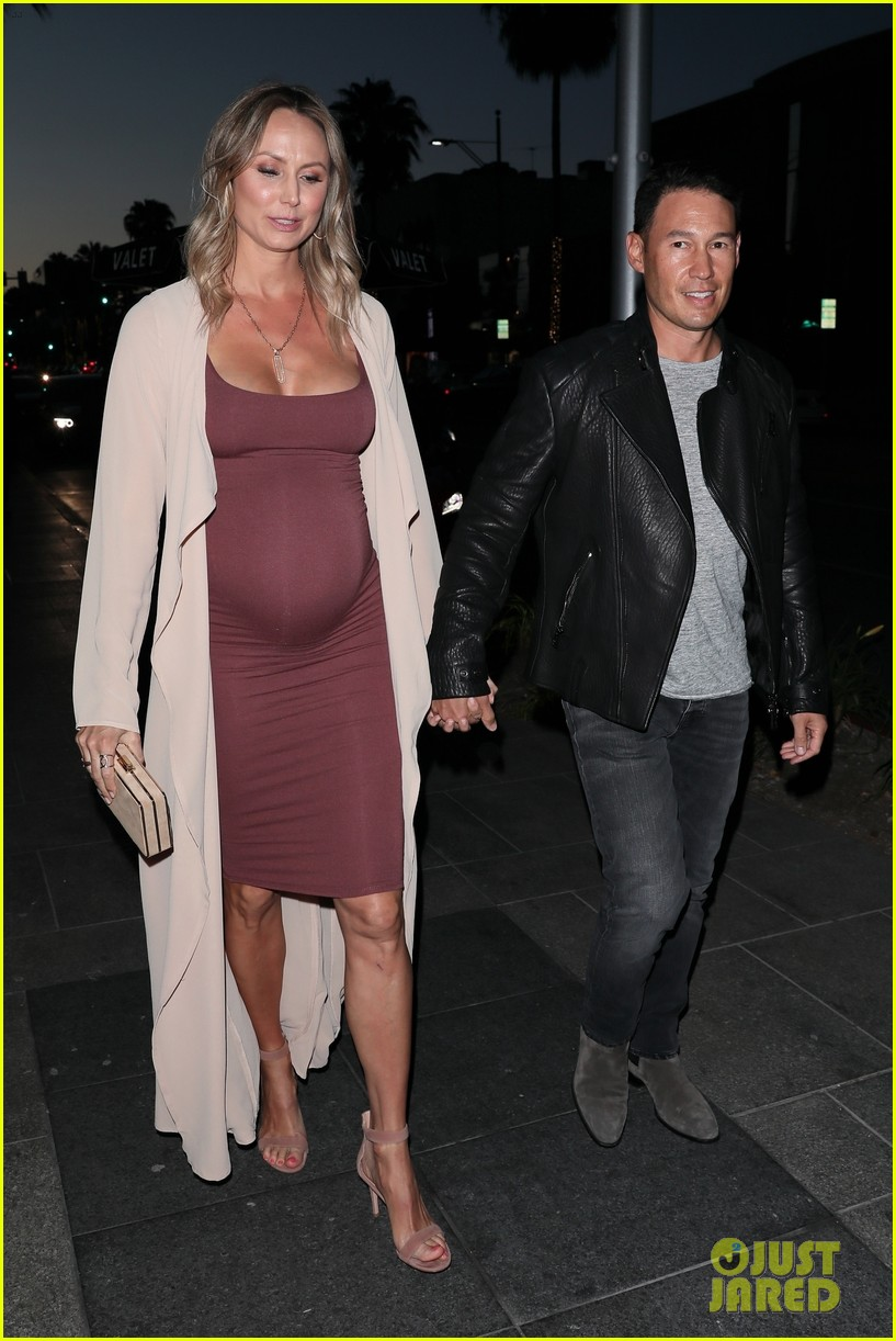 stacy keibler pregnant dinner jared pobre 274091235