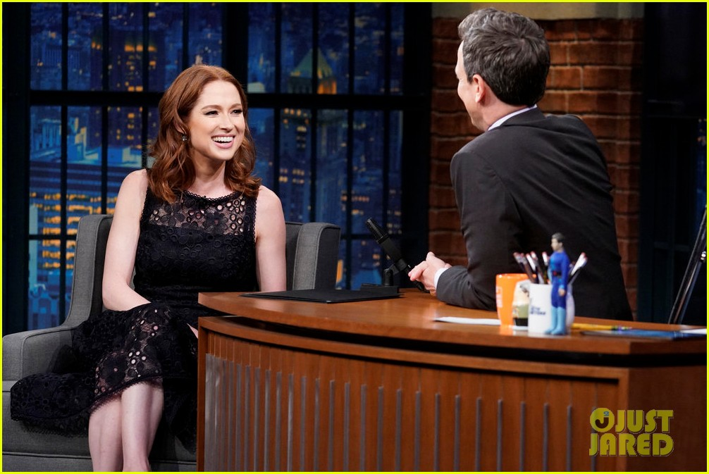 Ellie Kemper Mindy Kaling Reminisce About Their The