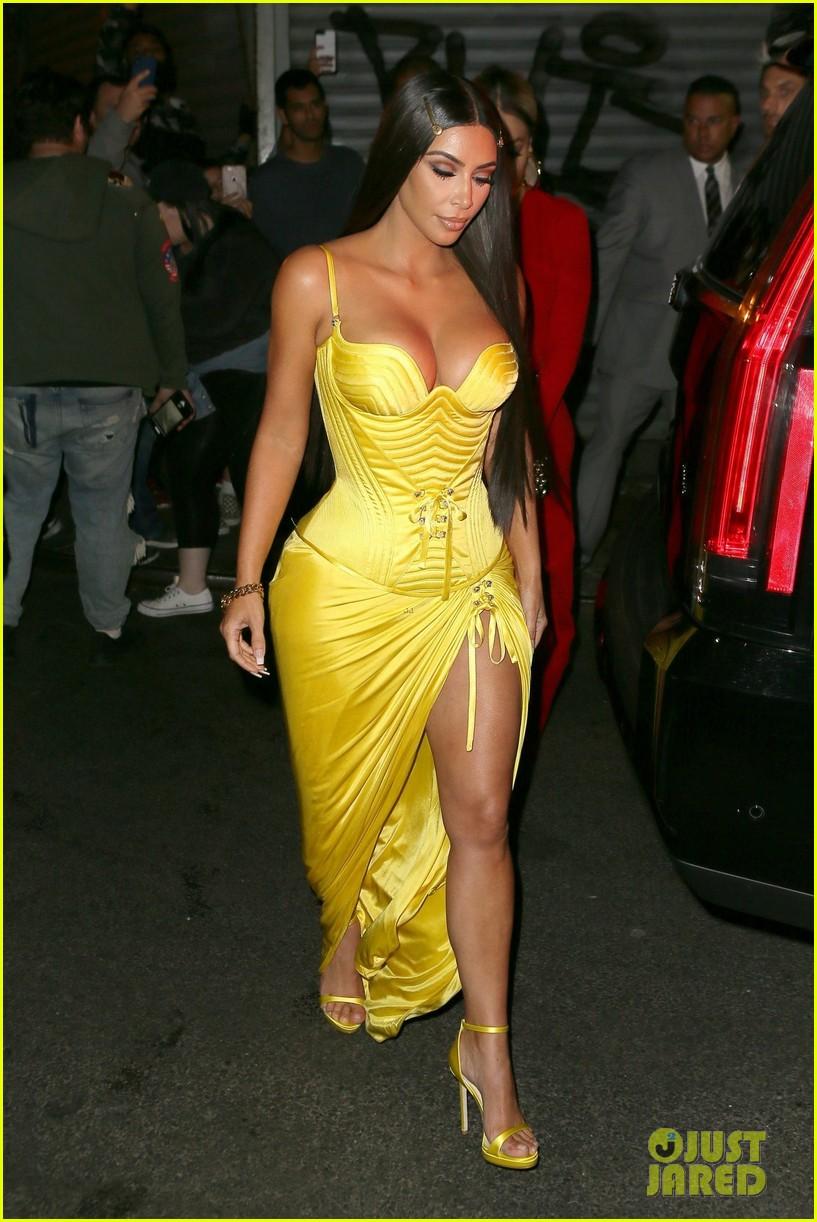 kim kardashian kendall kylie business of fashion dinner 084079747