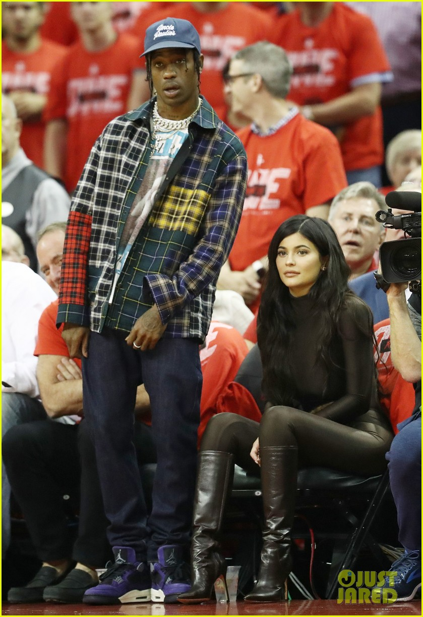 kylie jenner travis scott houston rockets game may 2018 014092356