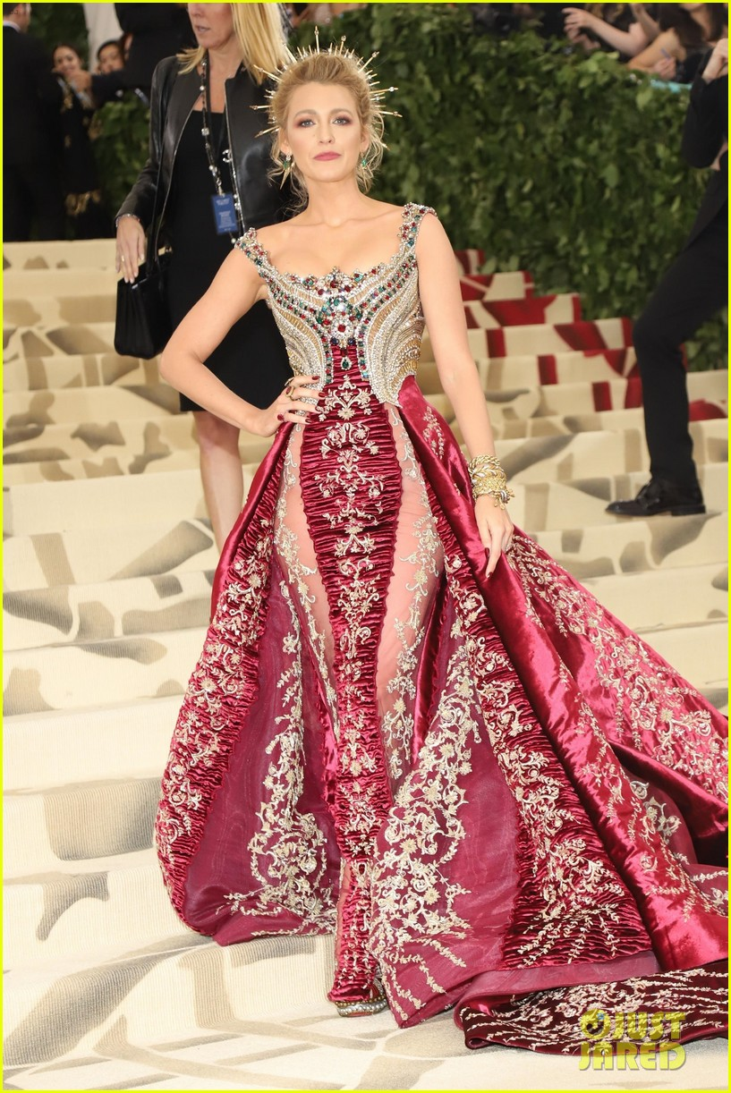 Blake Lively Wears Her 'Favorite Dress Ever' to Met Gala ...