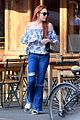 lindsay lohan grabs lunch with mystery man in nyc 04