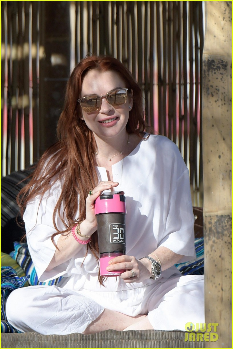 Lindsay Lohan Celebrates Lohan Beach House Opening!: Photo