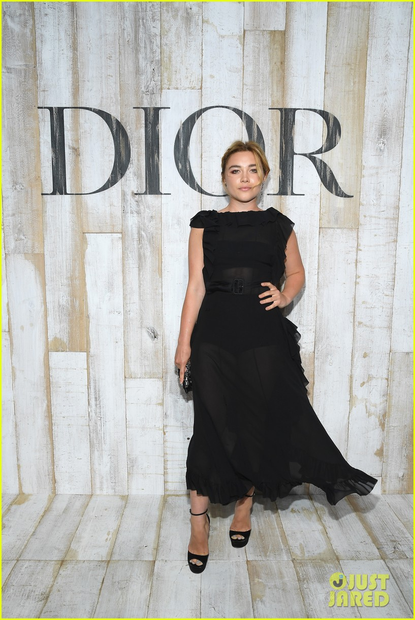 billie lourd and paris jackson get colorful at christian dior photo call 134091120
