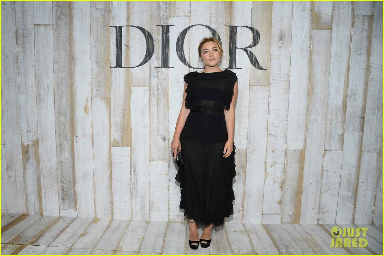 billie lourd and paris jackson get colorful at christian dior photo call 154091122