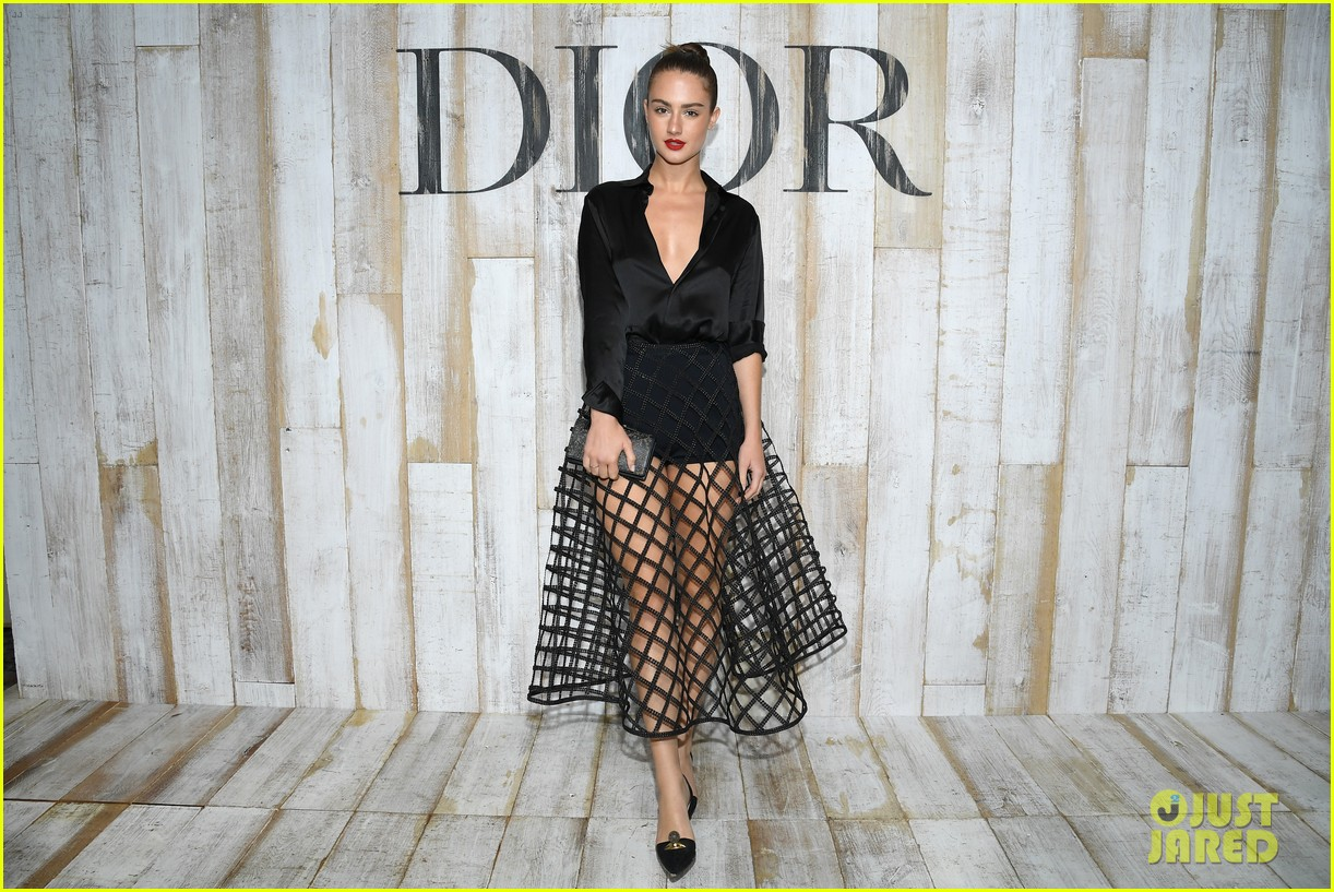 billie lourd and paris jackson get colorful at christian dior photo call 184091125