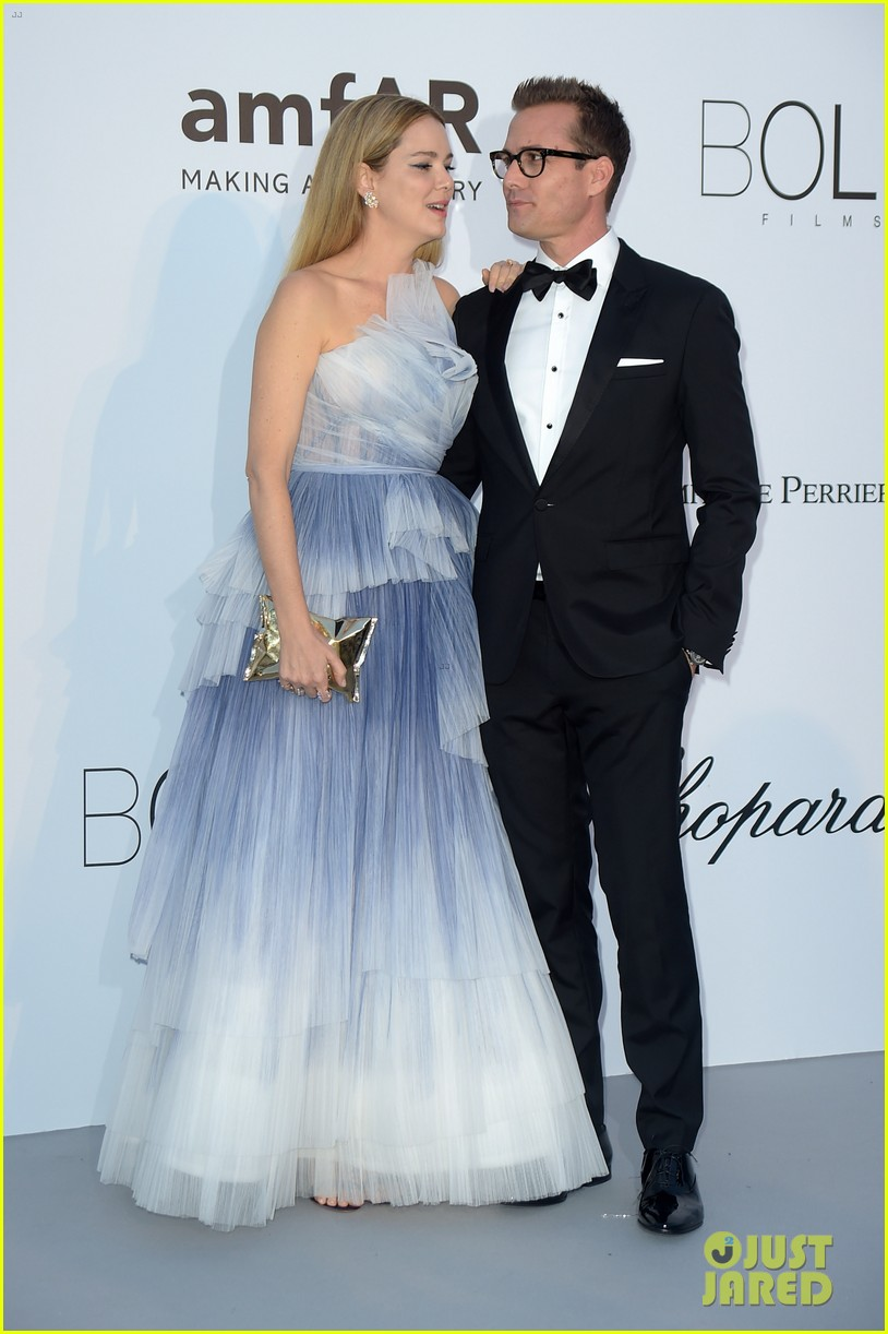 Suits\' Gabriel Macht & Wife Jacinda Barrett Attend amfAR Gala Ahead ...