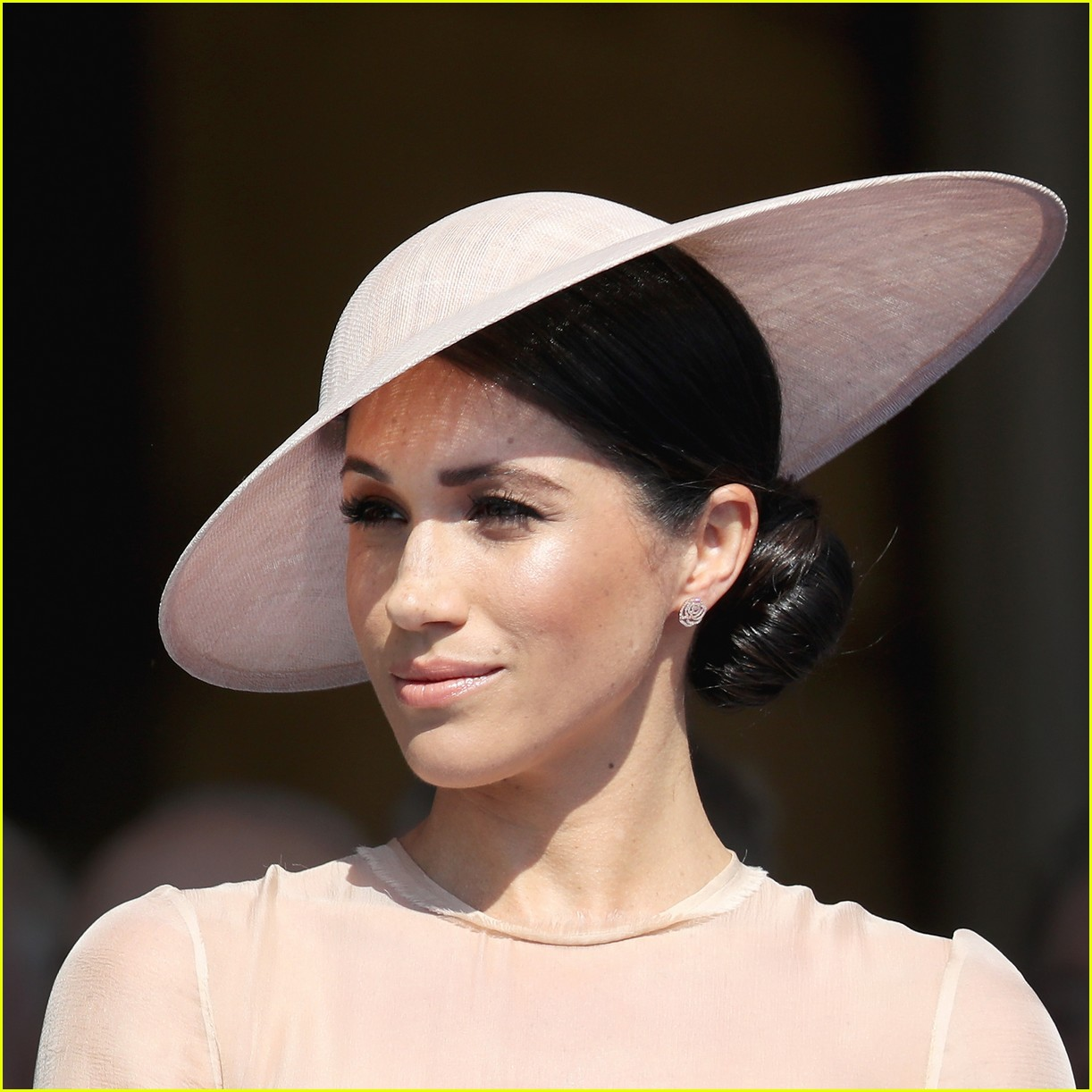 Duchess Meghan Markle & Prince Harry Make First Official