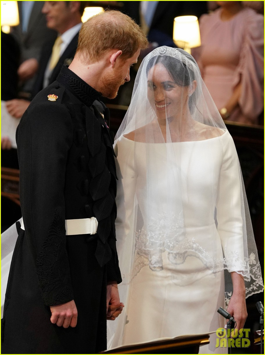 prince harry meghan markle married royal wedding 014086371