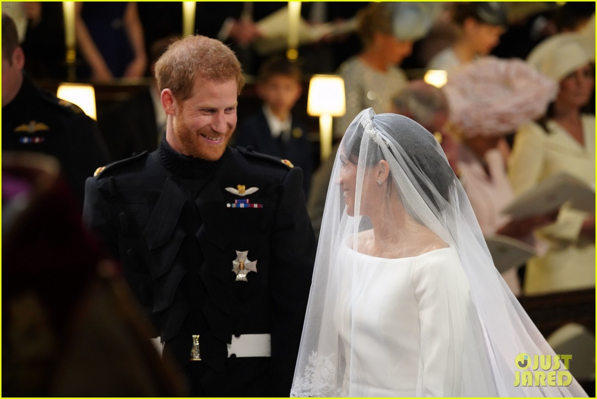 prince harry meghan markle married royal wedding 044086374