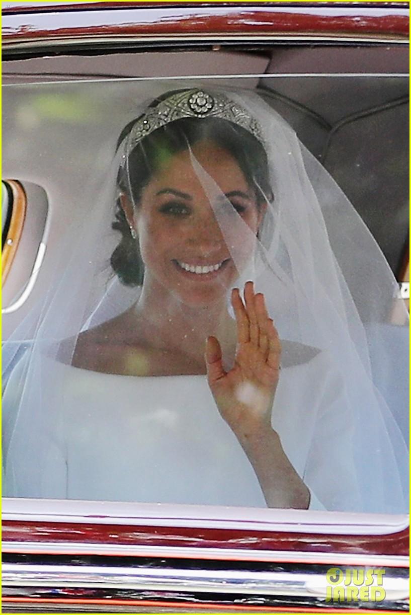 prince harry meghan markle married royal wedding 074086377