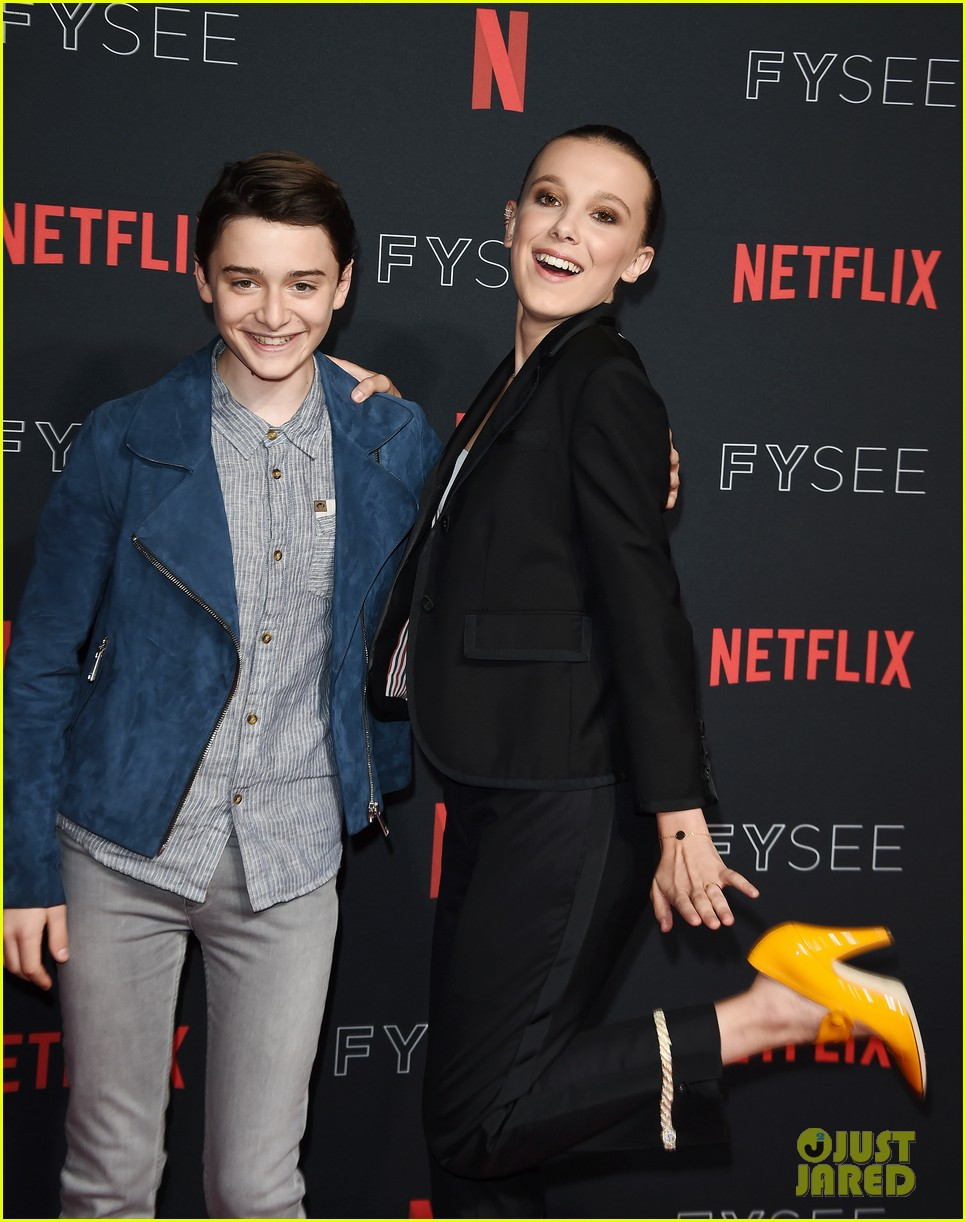 millie bobby brown naoh schnapp hold hands at stranger things panel 164087125