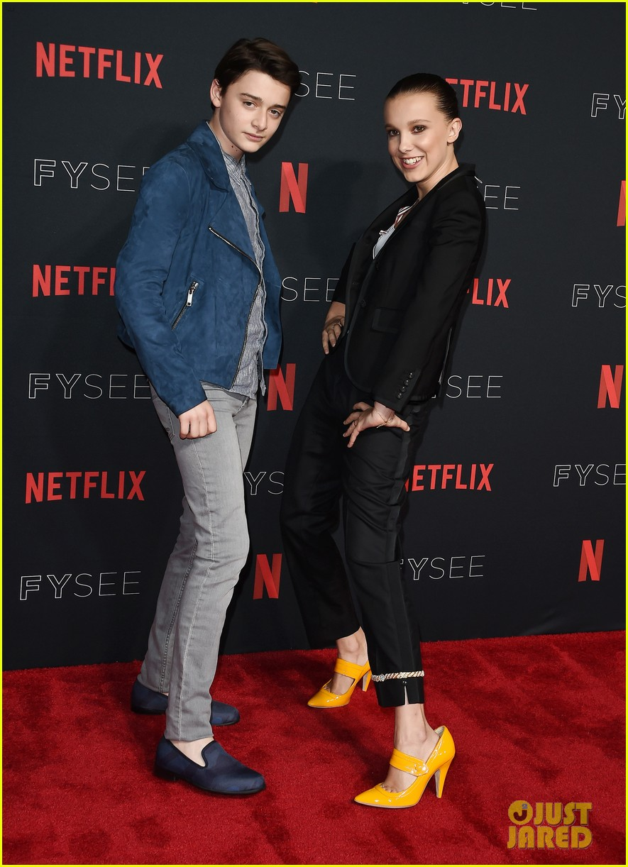 millie bobby brown naoh schnapp hold hands at stranger things panel 184087127