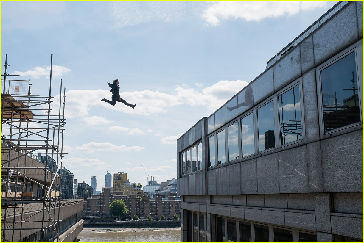 tom cruise mission impossible fallout trailer 044084130