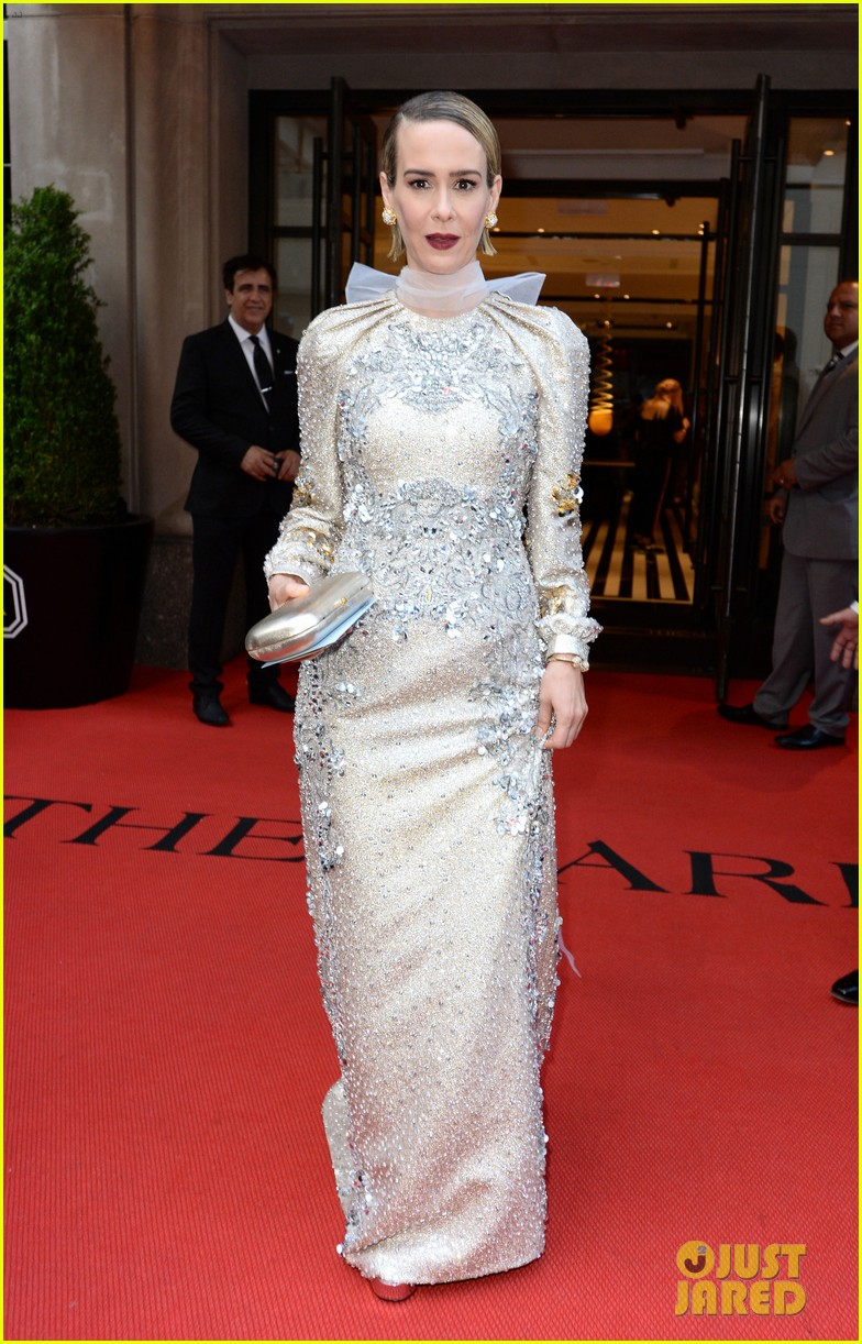 8. Will there be a Met Gala Live Stream pics