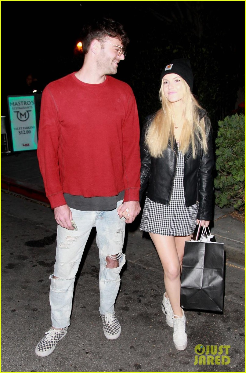 alex pall holds hands with new girlfriend katelyn byrd 024076651
