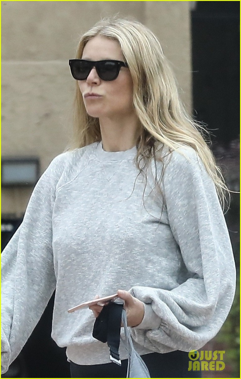 gwyneth paltrow gets in early morning workout in brentwood 044081800