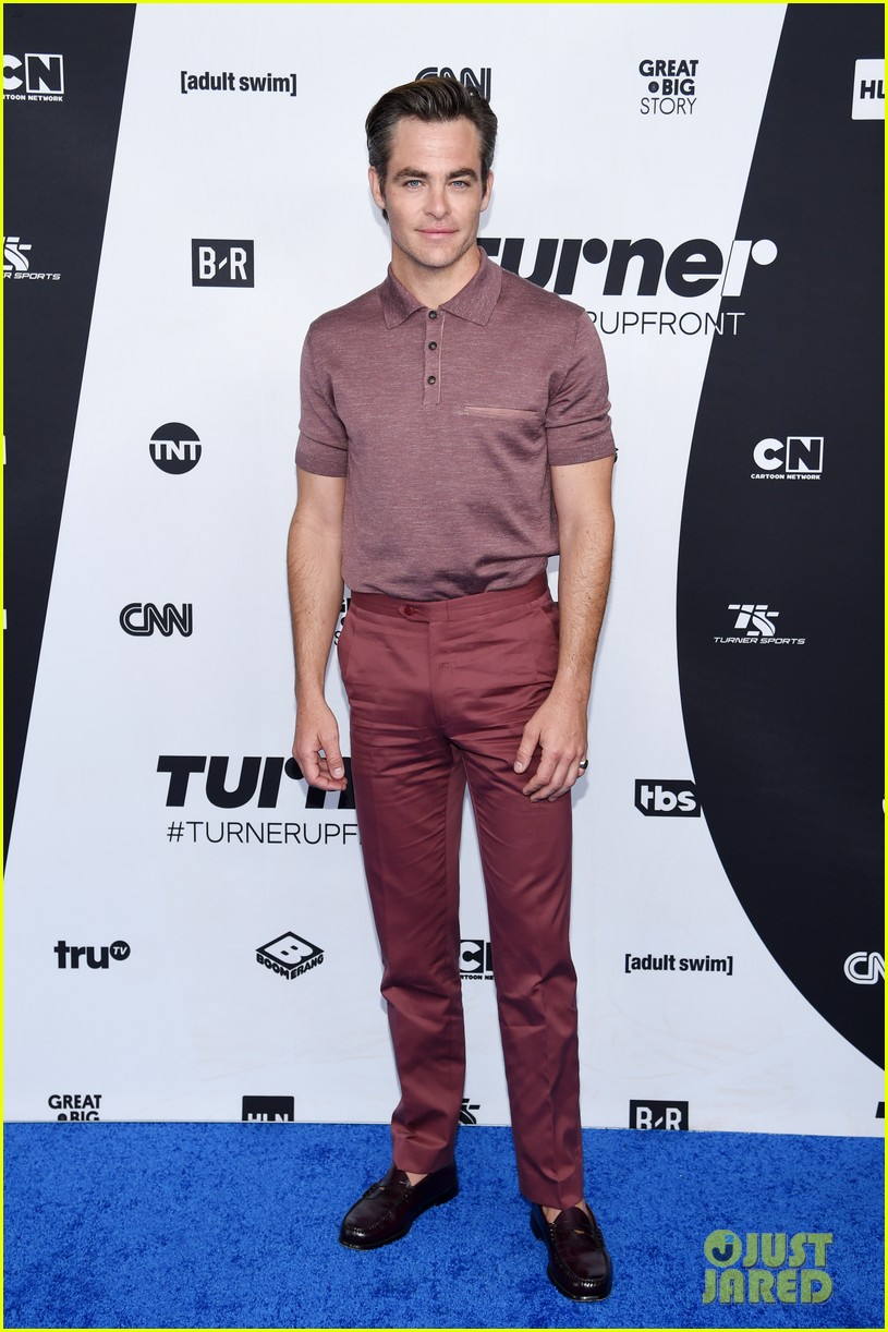 chris pine others turner upfront 2018 044084192
