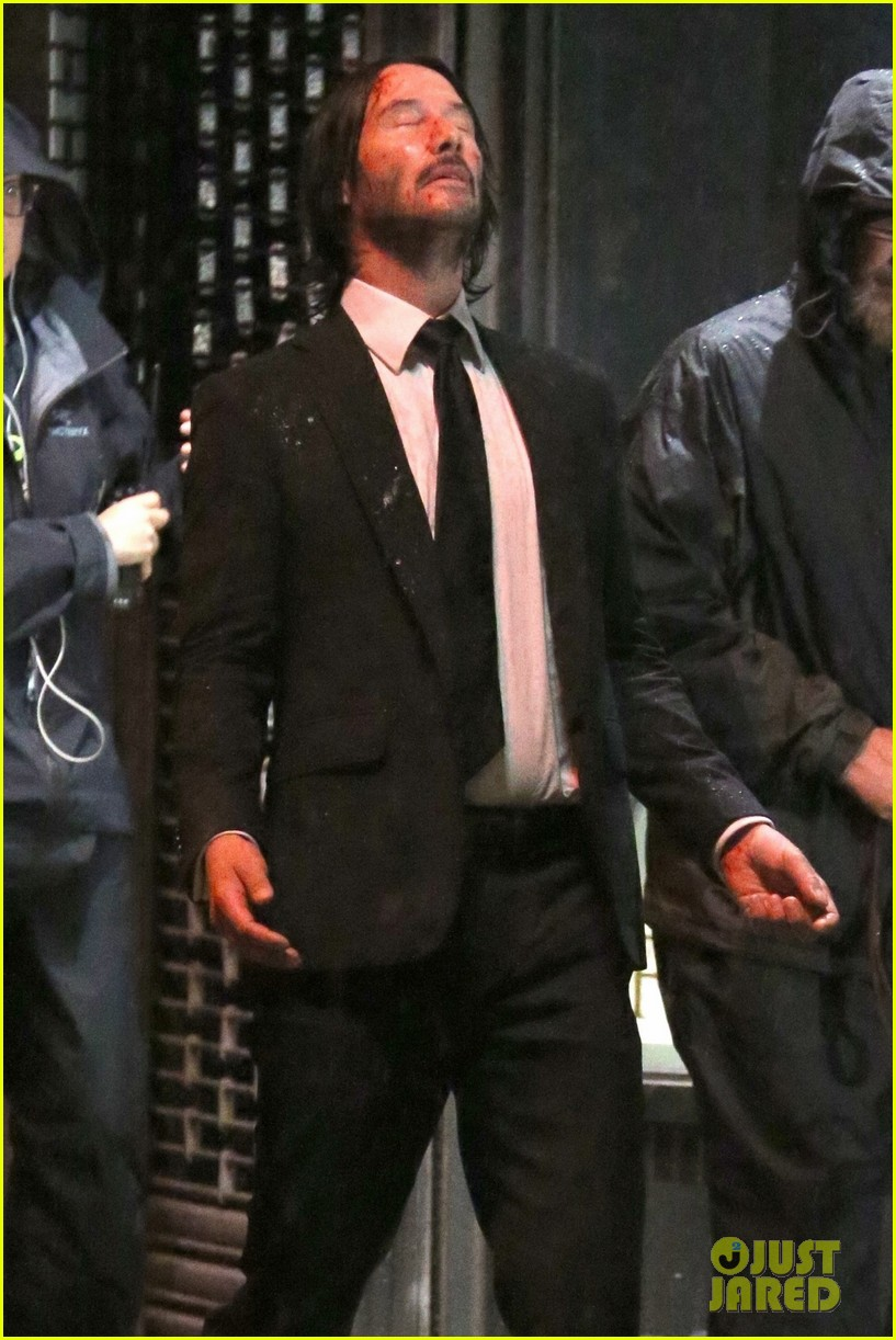 keanu reeves gets caught in the rain again for john wick 014090272