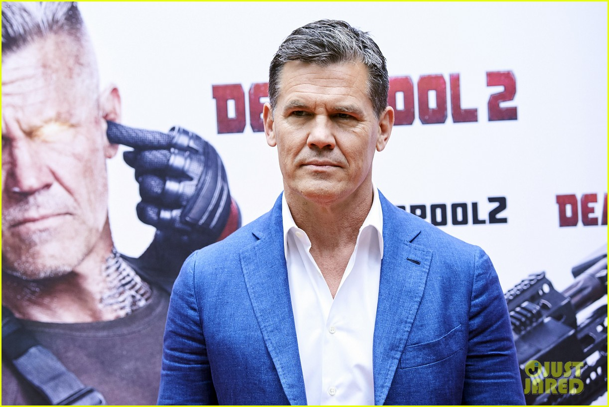 josh brolin admits he has crush on deadpool 2 co star ryan reynolds 034077924