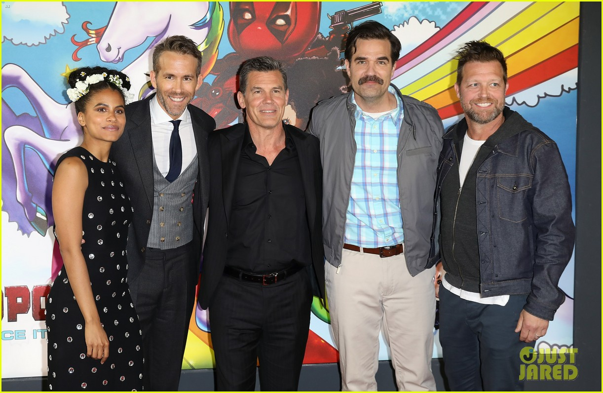 ryan reynolds suits up for deadpool 2 photocall and fan screening 014080663