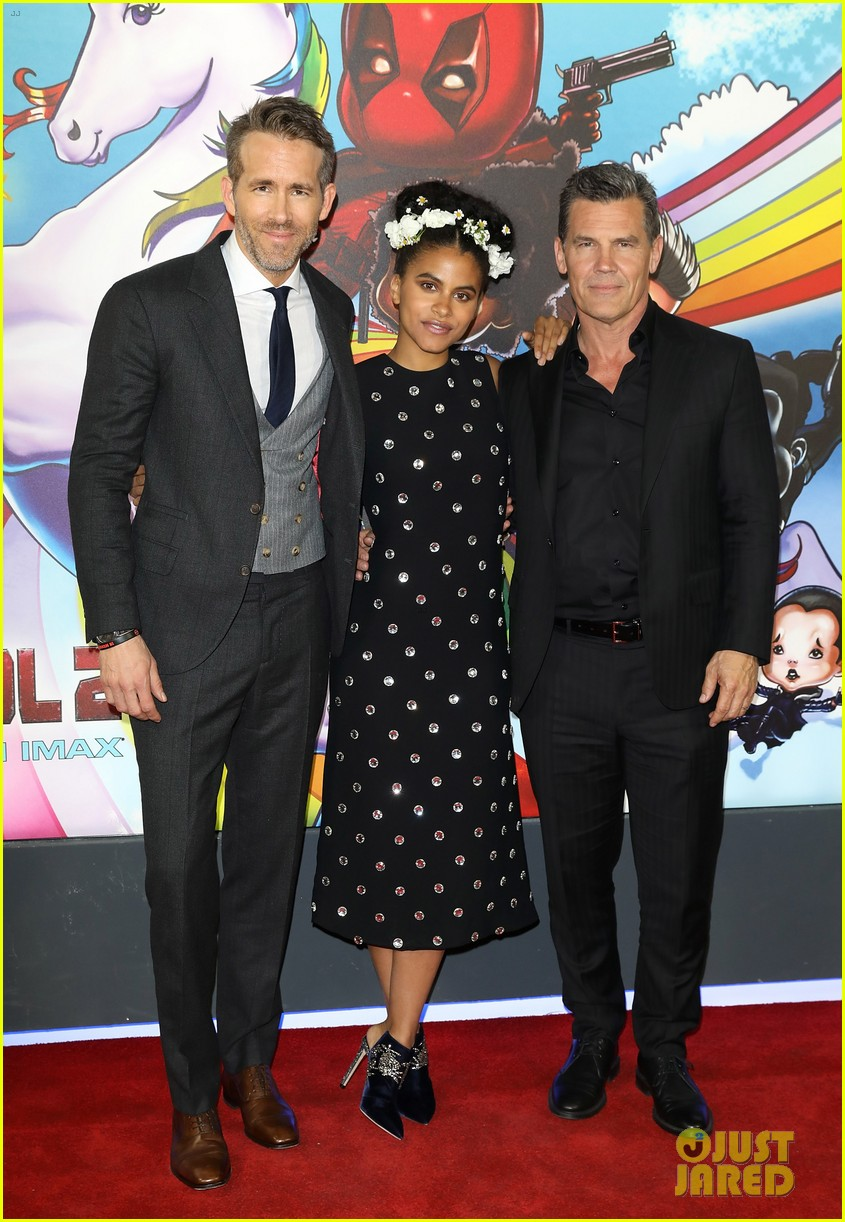 ryan reynolds suits up for deadpool 2 photocall and fan screening 024080664